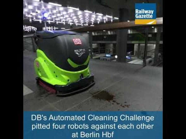 Cleaning robots at Berlin Hbf